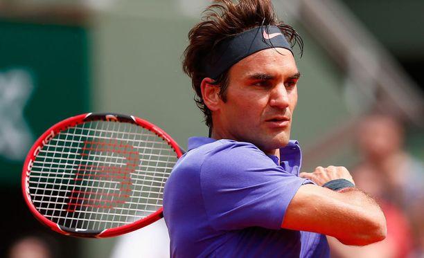 Roger Federer ei ilahtunut katsojan toilailusta.
