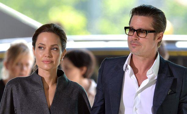 Brad Pitt tapasi Angelina Jolien elokuvan kuvauksissa.