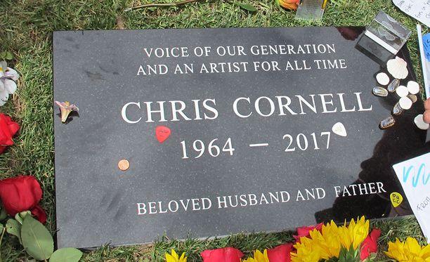 Chris Cornellin hautakivi.