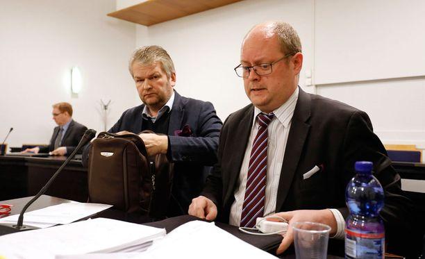 Vantaan käräjäoikeus tutkii, onko toimitusjohtaja Jukka Nieminen kätkenyt valtavia määriä luotonantajiensa varoja.