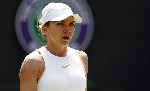 Simona Halep on yltänyt Wimbledonissa parhaimmillaan välieriin, vuonna 2014. Nyt matka tyssäsi jo kolme kierrosta aikaisemmin.