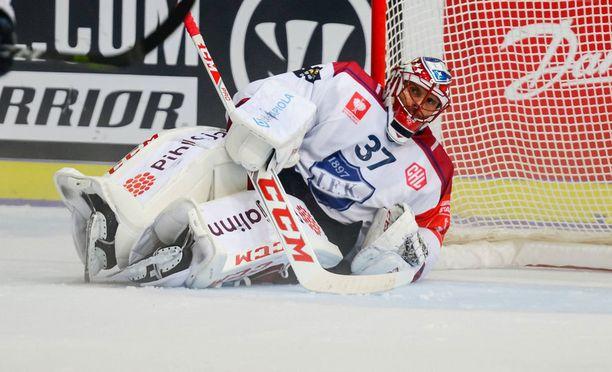 Niklas Bäckström pelasi kymmenen kautta NHL:ssä, ennen kuin palasi HIFK:n paitaan.