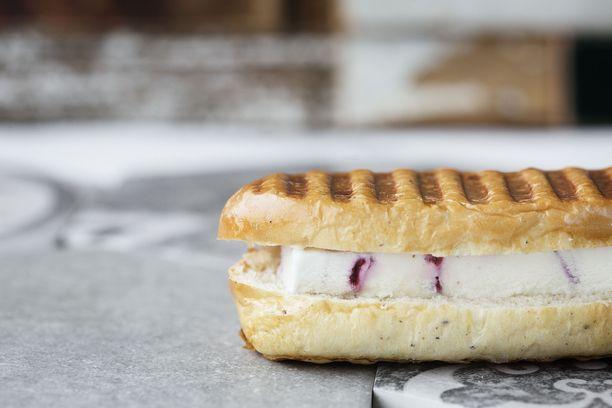 Tampereen uudesta pikaruokaravintolasta saa myös jäätelöpanineja.