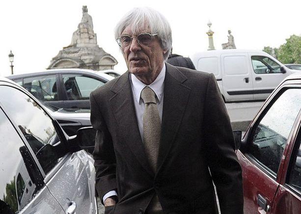 Bernie Ecclestone ryhtyi välittämään FIA:n ja Ferrarin riitaa.