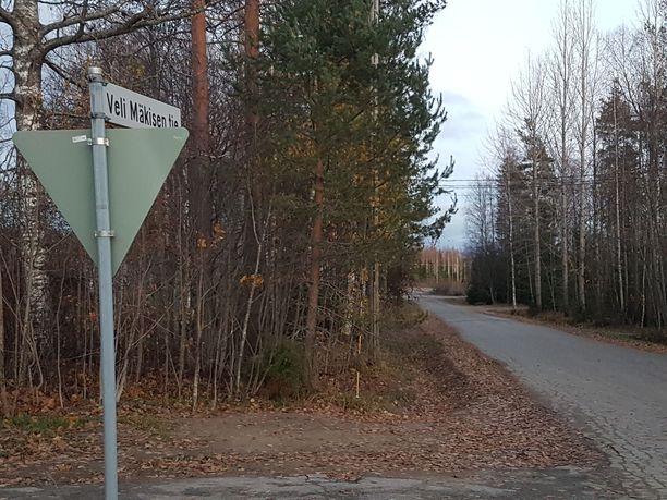Henkirikoksen epäillään tapahtuneen Veli Mäkisen tiellä sijaitsevassa asunnossa.