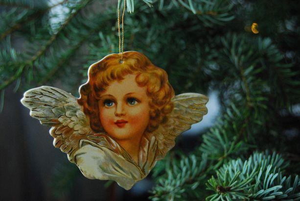 Enkeli taivaan-virsi on sallittu koulun joulujuhlissa.