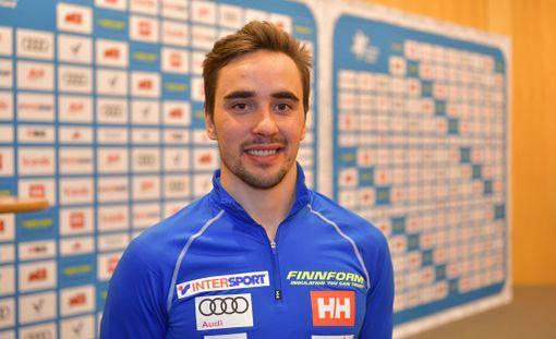 Ristomatti Hakola oli läsnä keskiviikkona hiihtomaajoukkueen mediatilaisuudessa Helsinki-Vantaalla.
