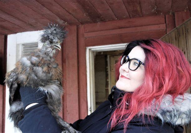 Saga Kjellman on kiintymyksestään huolimatta – tai oikeammin juuri sen takia – valmis luovuttamaan veikeän Sid-kukkonsa uuteen kotiin.