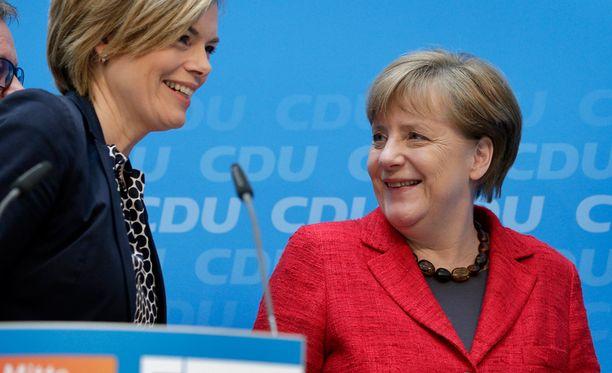 Angela Merkelin asema horjuu ja sen myötä koko Euroopan unioni niin pakolais- kuin muussa politiikassa, kirjoittaa Jyrki Vesikansa.