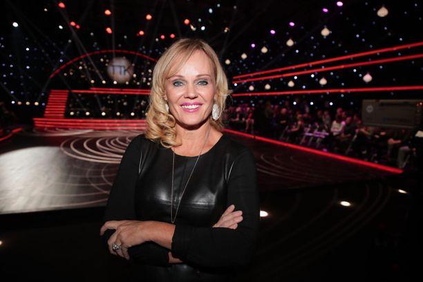 Sirpa Selänne kannusti Jaana Pelkosta sunnuntaina 28. lokakuuta Tanssii tähtien kanssa -lähetyksessä.