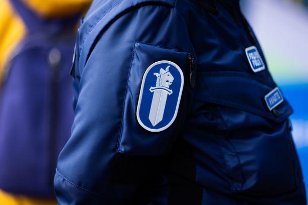 Poliisi jatkaa onnettomuuden silminnäkijöiden kuulemista.