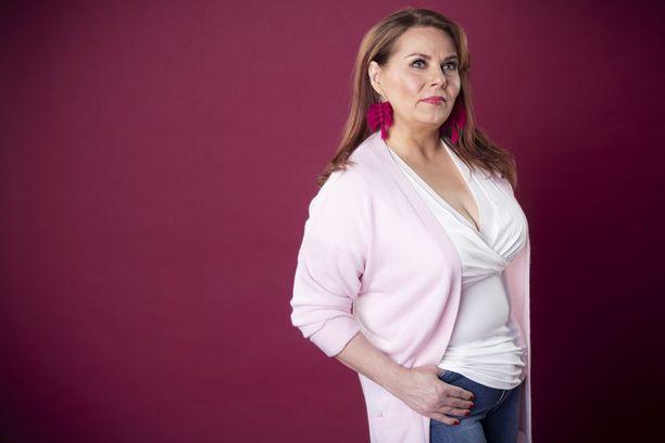 Nina Mikkonen kirjoittaa Seiskan blogissa arasta aiheesta nuoruudensuhteessa.