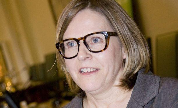 Heidi Hautalan mukaan suuri osa Finnairin hallituksesta tulisi vaihtaa.