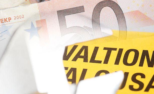Pääministeri Juha Sipilän (kesk) hallitus on muistuttanut, että työllisyysaste pitäisi saada jyrkkään nousuun.