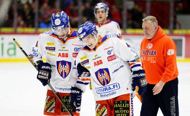 Tapparan Jan-Mikael Järvinen koki kovia ottelussa HIFK:ta vastaan.
