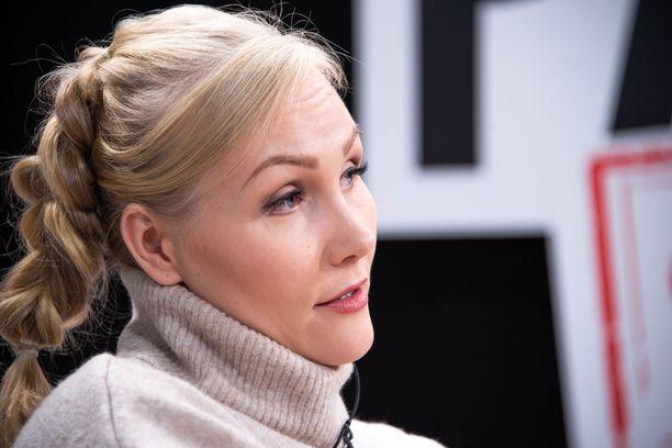 Emma Kimiläinen ajaa kilpaa W Series -formulasarjassa.