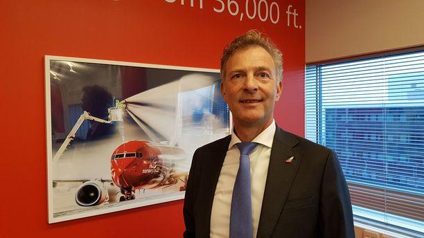 Norwegianin varatoimitusjohtaja Tore Østby vakuuttaa, että lentoyhtiön lippuja on turvallista varata.