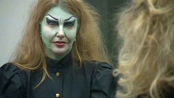 Anu Saagim Big Brother -talossa vuonna 2013. Halloween-bileitä varten asukkaat saivat teemaan sopivia vaatteita ja meikkejä.