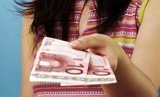 Iltalehden lukijoista monet ovat antaneet tai saanet taloudellista tukea sukulaisiltaan.
