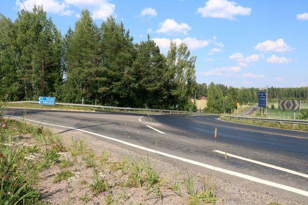 Tie on erityisen liukas Kynsikankaan risteyksen kohdalla.