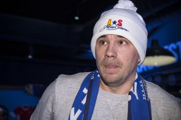 Urheilussa monin tavoin vaikuttanut Aleksi Valavuori pohti, voidaanko urheilutapahtumissa kuvatut videot kieltää jakamasta someen.