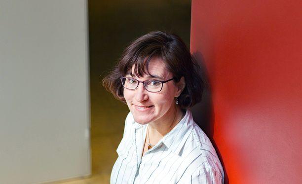 Professori Sirpa Lepän johtama tutkimushanke haluaa kehittää imukudossyöpien hoitoja.