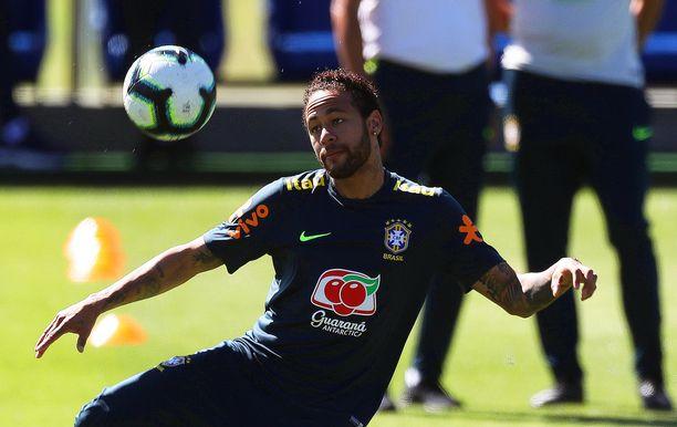 Neymar valmistautuu parhaillaan Copa Américaan, jota Brasilia isännöi.