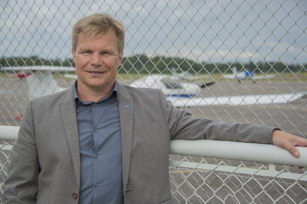 Mika Salo on tunnettu suomalainen autourheilija ja entinen Formula 1 -kuljettaja.