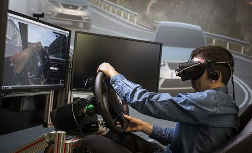 Tarkkojen kolmiulotteisten mallinnusten ja virtuaalilasien avulla voidaan luoda lähes todentuntuinen ajokokemus.