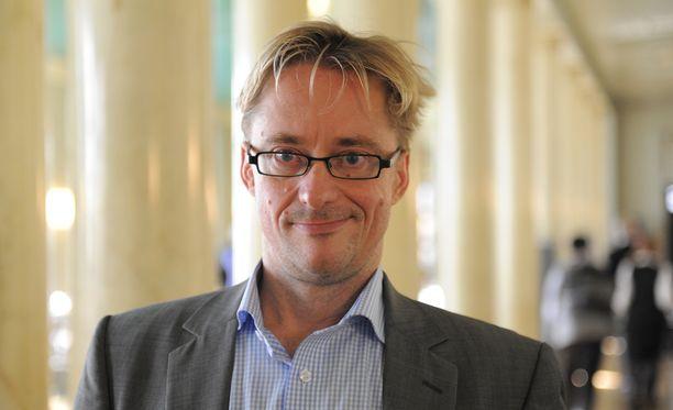 Mikael Jungner siirtyy eduskunnasta viestintätoimistoon.