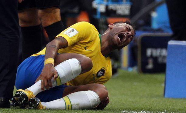 Neymaria rikotaan paljon, mutta tähden dramaattisuus ärsyttää monia.