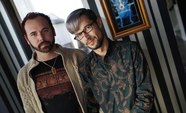 David Mullins ja Charlie Craig kotonaan Denverissä. Liepuri olisi myynyt heille muita kakkuja, mutta ei hääkakkua.
