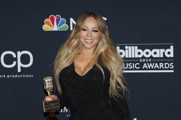 Mariah Carey palkittiin Billboardin Icon-palkinnolla viime vuonna.