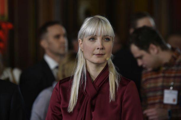 Laura Huhtasaari on perussuomalaisten kansanedustaja ja 1. varapuheenjohtaja.