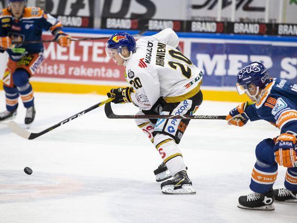 Kärppien Aleksi Heponiemellä oli värikäs ilta torstaina Tampereella.