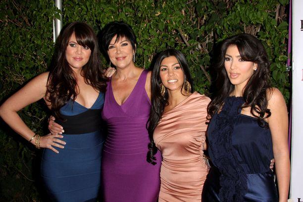 Kardashianin naiset ovat nousseet ohjelman myötä maailmanlaajuisiksi julkkiksiksi.