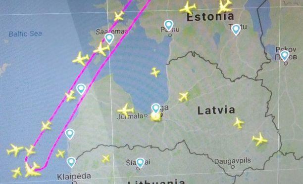 Iltalehden ilmailua seuraava lukija huomasi koneen kääntymisen takaisin Flightradar24-sivustolta.