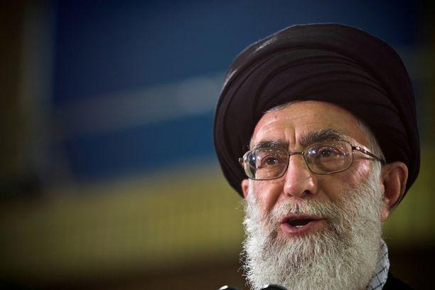 Ali Khamenei sai osansa Mike Pencen kritiikistä.