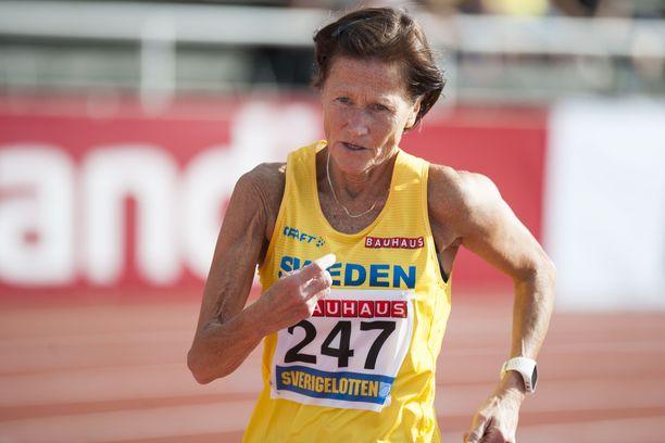 Siv Karlström, 62, oli paras ruotsalainen viiden kilometrin kävelyssä lauantaina maaottelussa Tukholmassa.