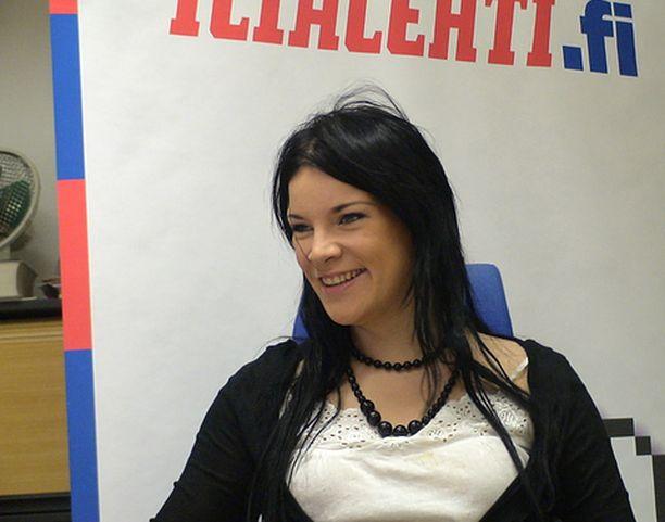 Hanna Pakarinen oli Iltalehden verkkovieraana maanantaina 23.4.