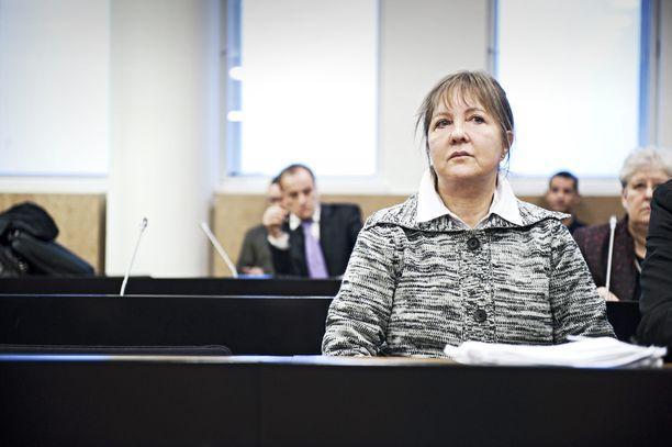 Myrkkyhoitaja-sarjamurhaaja Aino Nykopp Helsingin hovioikeudessa marraskuussa 2011.