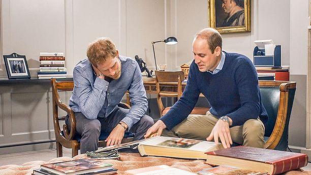 Prinssit Harry ja William pureutuvat lapsuusmuistoihinsa uutuusdokumentissa.