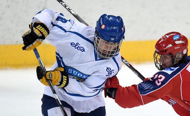 Janne Kuokkasen, 17, liigadebyytti hakee vertaistaan. Kuva nuorten Ivan Hlinka -turnauksesta.
