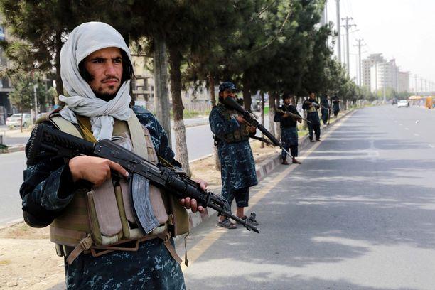Taliban on syyllistynyt useisiin ihmisoikeusrikkomuksiin, ihmisoikeusjärjestöt toteavat selvityksessään.