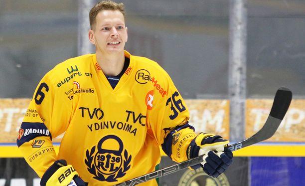 Lukkoa vahvistava Jakub Krejcik on edustanut Tshekkiä neljissä MM-kisoissa.