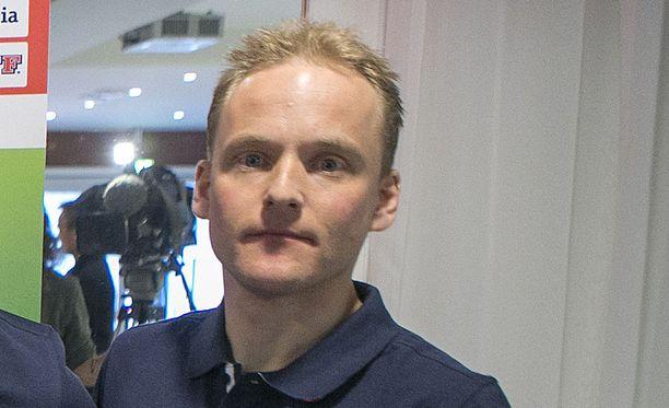 Ari Halttunen toimii HIFK:n joukkueenjohtajana.