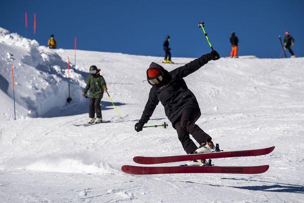 Laskettelu jatkuu Sveitsissä. Kuva Verbierin hiihtokeskuksesta.