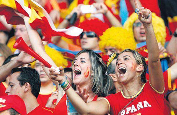 Iltalehden keräämän finaaliraadin äänet jakautuivat tiukasti 3–2-lukemin Espanjan hyväksi.