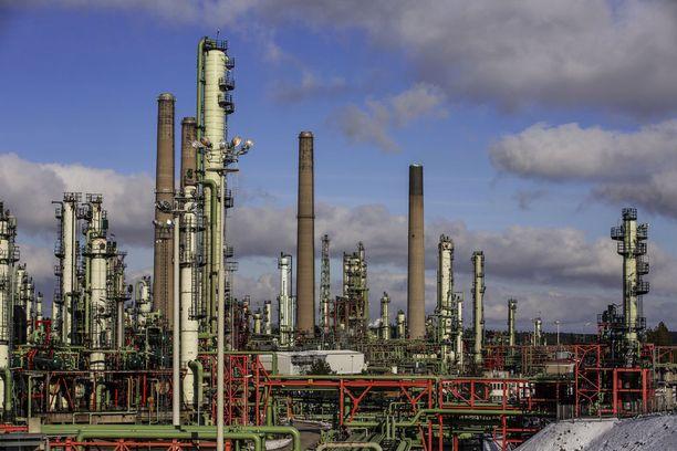 Kinkkurasva muuttuu biodieseliksi Nesteen Porvoon jalostamolla.