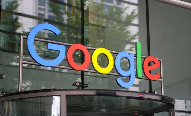 Googlen emoyhtiön Alphabetin liikevoitto laski rajusti vuoden toisella neljänneksellä.
